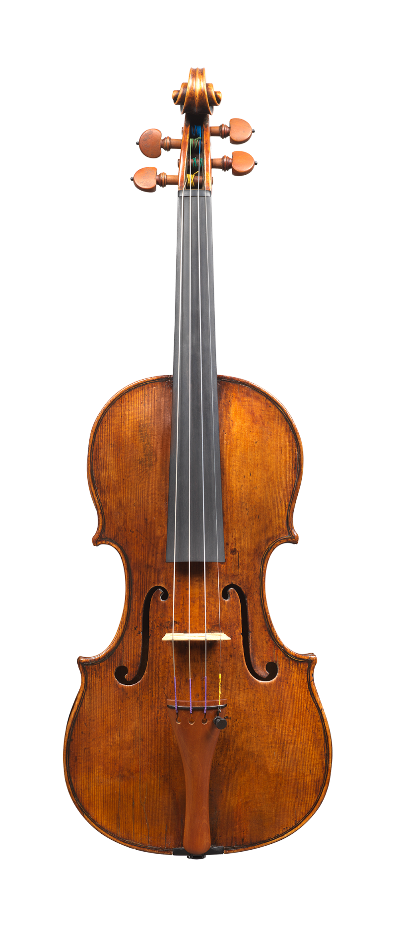 Front of a rare violin by Carlo Rugeri, circa 1710. The model used for this instrument is particularly delicate and elegant, and its sound is refined.