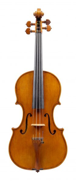Front of a violin by William, Luff, London, 1986