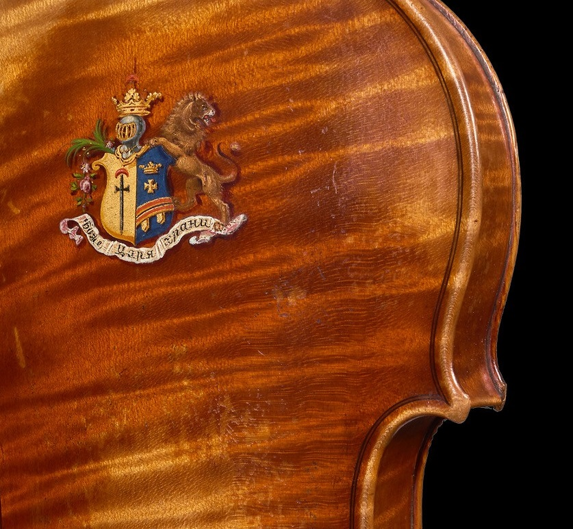 the coat of arms on the Tsar Nicholas violin by JB Vuillaume